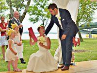 Gratulanten bei der Hochzeit am Zicksee