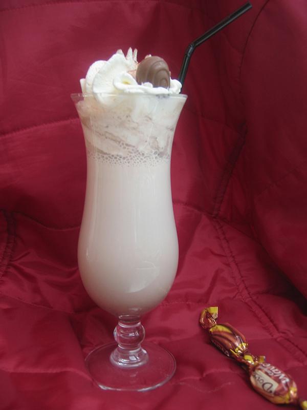 Cocktail in der Strandbar Papillon