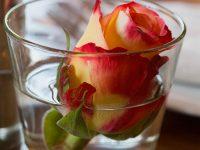 Tischdeko Glas mit Rose