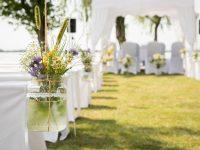 Blick auf den Hochzeitspavillon am Zicksee